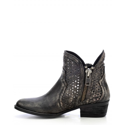 WOMEN'S CORRAL-BLACK ANKLE BOOTIE